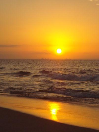 Amanhecer Amanzing Beach Beauty In Nature Bomdia Horizon Horizon Over Water Nature Orange Color Sea Sky Sun Tranquility Water Wonderful Wonderful Day