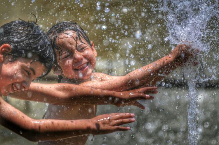 Mendoza Calor Kids Water streetphotography