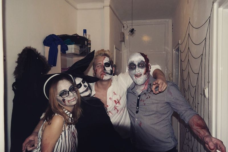 Halloween Party Death Zombie Creepy Friends Second Acts