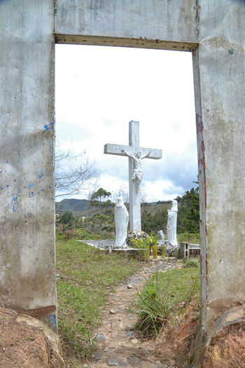 Representación Grass Religious  Religious Architecture Rural Scene Sky The Past Tranquil Scene