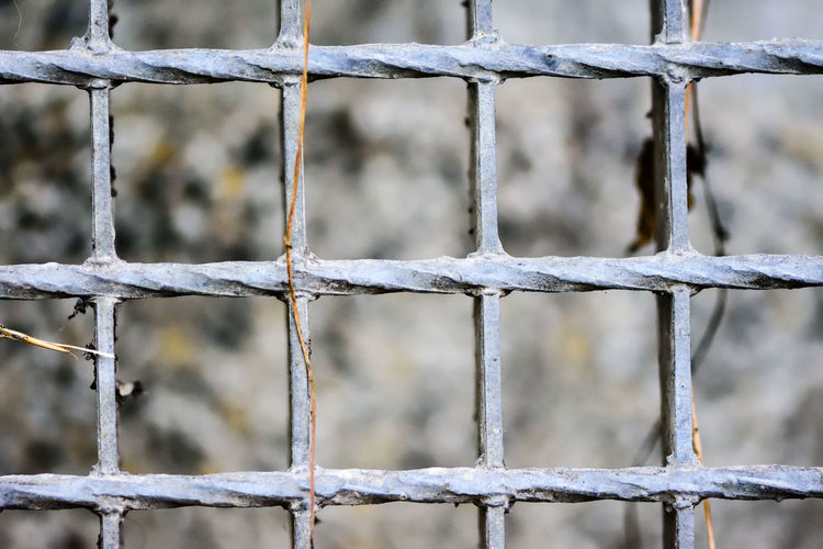 Barb Wire Barbed Wire Barrier Blurred Chainlink Fence Close-up Extreme Close Up EyeEm EyeEm Best Shots EyeEm Gallery Fence Focus On Foreground Fragility Full Frame Macro Macro_collection Metal No People Non-urban Scene Outdoors Protection Railing Safety Security Spiked