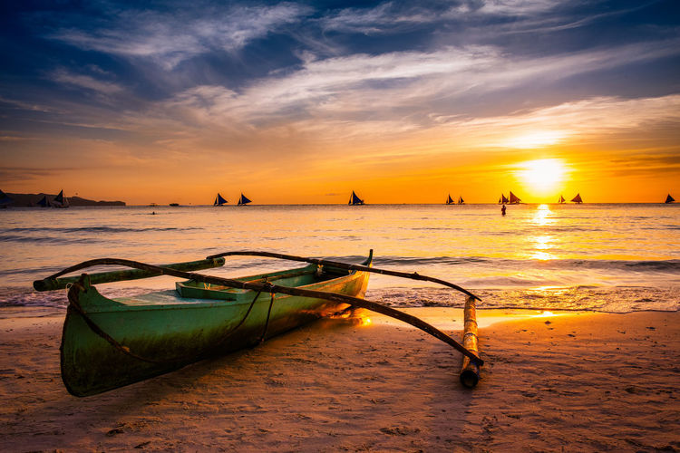 Sunset at white beach - Boracay, Philippines