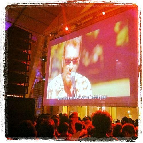 104 Paris Karaoke