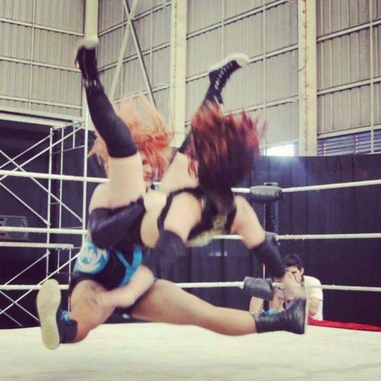Omegaeztar vs Domina Luchalibre Chilena wrestling xnl