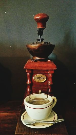 Close-up Indoors  Wood - Material No People Table Coffee Cafephilia Vintage Coffeemaker Moseley Birmingham UK