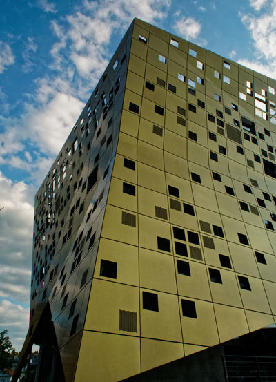 Architecture Building Exterior Built Structure City Day Forum Gold Und Silber Low Angle View Modern No People Outdoors Remspark Sky Skyscraper Window The Architect - 2017 EyeEm Awards EyeEmNewHere
