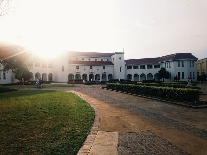 Education builds the world 🎓📑 How Do We Build The World? University University Campus Beautiful Old Buildings Photography Eye4photography  Check This Out Taking Photos Themostbeautifulcampus Vivid Showcase March Hello World Southafrica EyeEm Best Shots Sunset Education Degree Enjoying Life