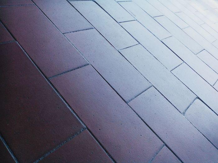 Precision Nem tudo é horizontal ou vertical! Lines Urban Geometry Geometry Pattern Diagonals SIMPLY