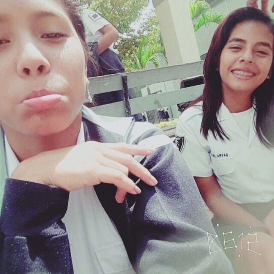 Colegio♥ Smile ✌ No Problem Friends I Really Don't Care ♡ My Smartphone Life Look Me In The Eyes Tired!