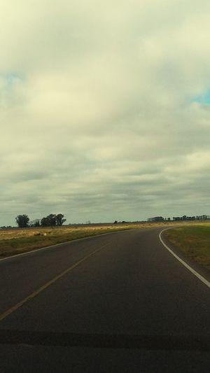 No se adónde... pero estoy en camino. Route Scenic Route En Route Talking Photos PhonePhotography Nature Photography Argentina Photography Streetphotography