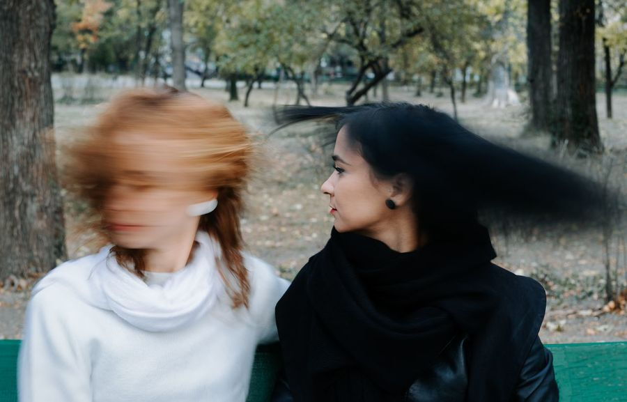 Long Exposure Motion Motion Blur Blur Blurred Motion Women Young Women Togetherness Friendship Tree Headshot Love Family Bonds