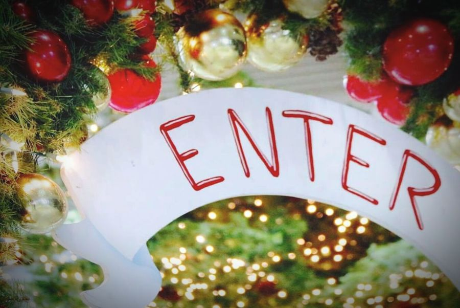 Enter Santa's Wonderland Red White Sign Red Letters Entrance Christmas Around The World