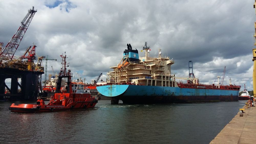 Ships Shipyardlife Work on the way to dry dock
