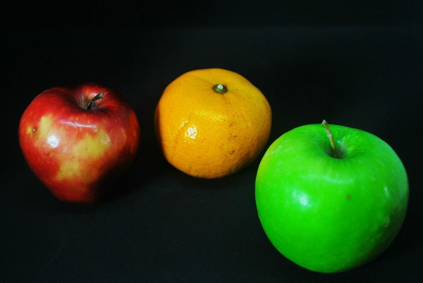 Fruit Healthy Eating Black Background Food And Drink Still Life Food Studio Shot Freshness Apple - Fruit Indoors  Red No People Happiness Close-up Day Sweet Food Apple Apple Fruit Red Apple Red Apple Fruit Multi Colored Healthy Lifestyle Variation Freshness Food And Drink