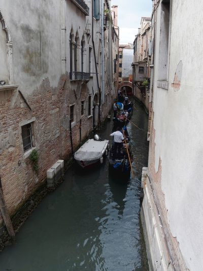 Architecture Building Exterior Built Structure Canal City Day Gondola - Traditional Boat House Men Mode Of Transport Nautical Vessel One Person Outdoors Real People Residential Building Transportation Water
