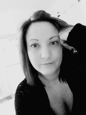 Working Workselfie Slow Night Selfie Selfportrait That's Me Hello World Black & White Black And White Portrait Me Two Hours Left