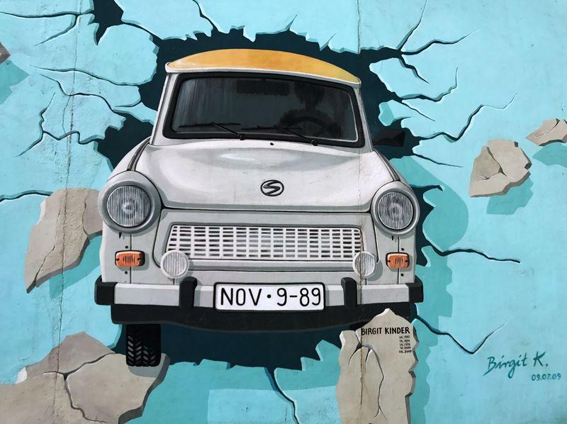 Let's Go Smarter Let's Go. Together. East Side Berlin Wall East Side Gallery