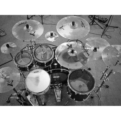 Lupa tah nama studio aku pegi ni .. sewa mahal tapi puas hati ! Pearl Zildjian Sabian Drums