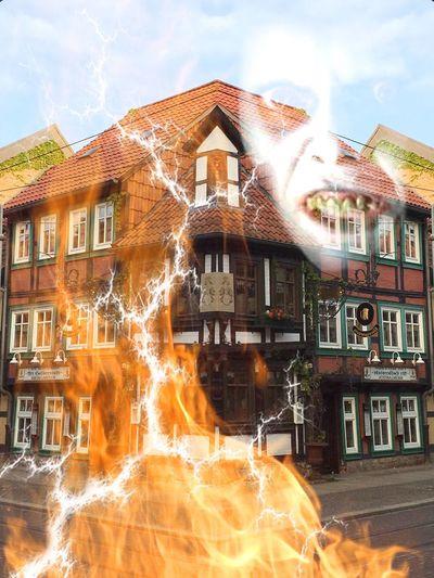 Flames & Fire Haus Feuer Und Flamme Stadt Harz Ghosts Geist Blitze meiner Fantasie keine Grenzen gesetzt, mir gefällt es. Eyemphotography