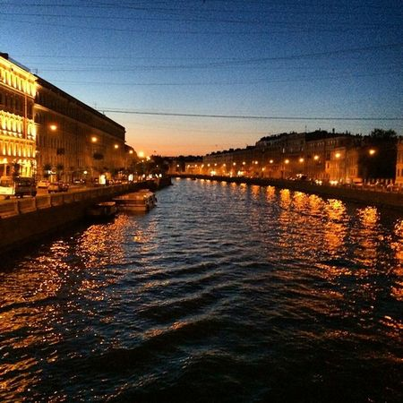 Успели погулять ночью. Следующая неделя - дожди 😒 Спб мост Ломоносова Ночь прогулка Фонтанка белыеночи Spb Night Bridge River Walking