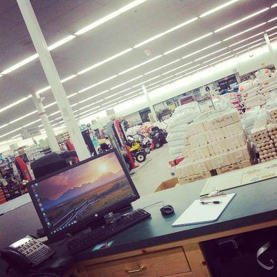 My view everyday.. Work Bossman Retaillife RealWorld Everyday LovinLife