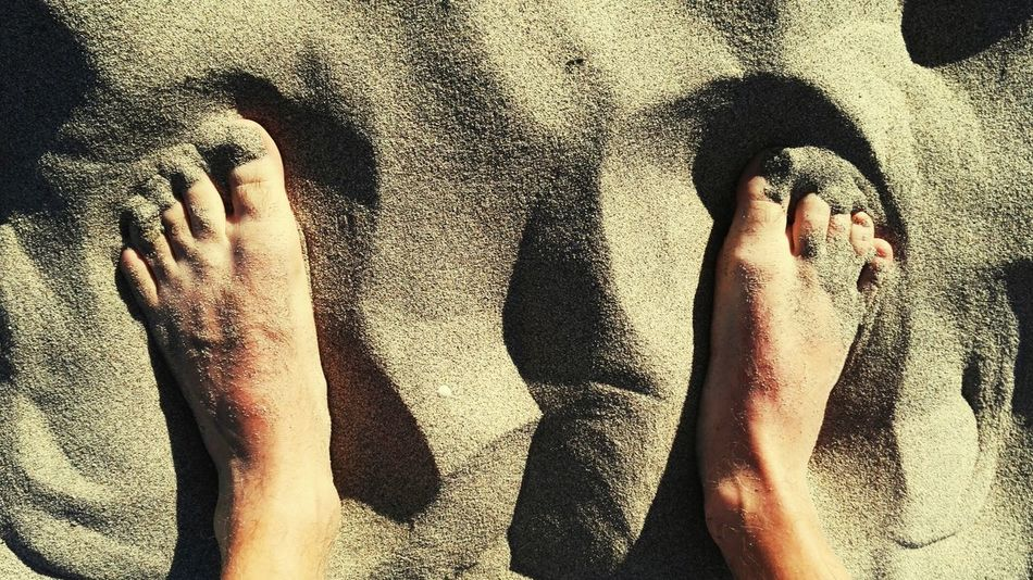 Relax à la plage 🏊☀ Beach Summer Day Taking Photos Enjoying Life For My Friends That Connect Goodtimewithfriends Sun Relaxing Piedsnus Pieds Sand TwoIsBetterThanOne Two Is Better Than One