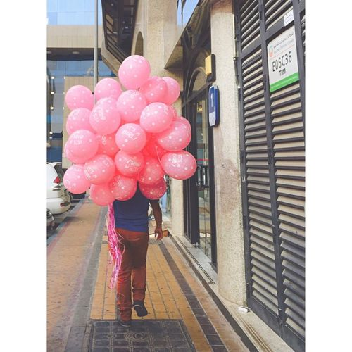 Check This Out That's Me Hanging Out Hello World Taking Photos Enjoying Life Cityscapes Streetphotography Minimalism Balloons