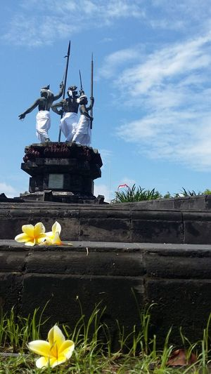 """The spirit of """" Puputan """" Puputan means the 'finishing' in the Balinese and it refers to ritual suicide or surrender. Puputan is regarded as a heroic act of resistance to colonial regime which took place when the Dutch invaded Bali in 1906. Monument Puputanbadungmonument Thespiritofpuputan History Heroic Balinesse Bali INDONESIA"""