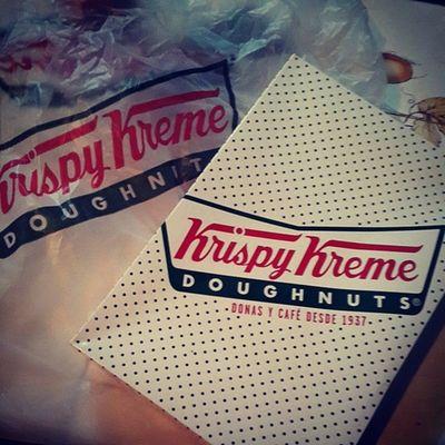 Mi roomie @gudime_20 es la más linda del mundo ??? Doughnuts KrispyKreme Fattie  Gordoperofeliz gracias