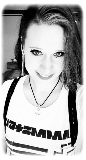 Selfie ✌ Portraits Rammstein Anchor Anker Blackandwhite Fotografie Inked Inked Girl Inkedgirls One Person People People Photography Photography Photography Themes Photooftheday Picoftheday Picture Pictureoftheday Portrait Real People Rockgirl Selfportrait Tattooedgirls Young Women