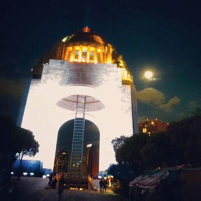 Antes de comenzar PaseoDeTodos Luna Moon MonumentoALaRevolucion Photography Arquitecture @paseodetodos