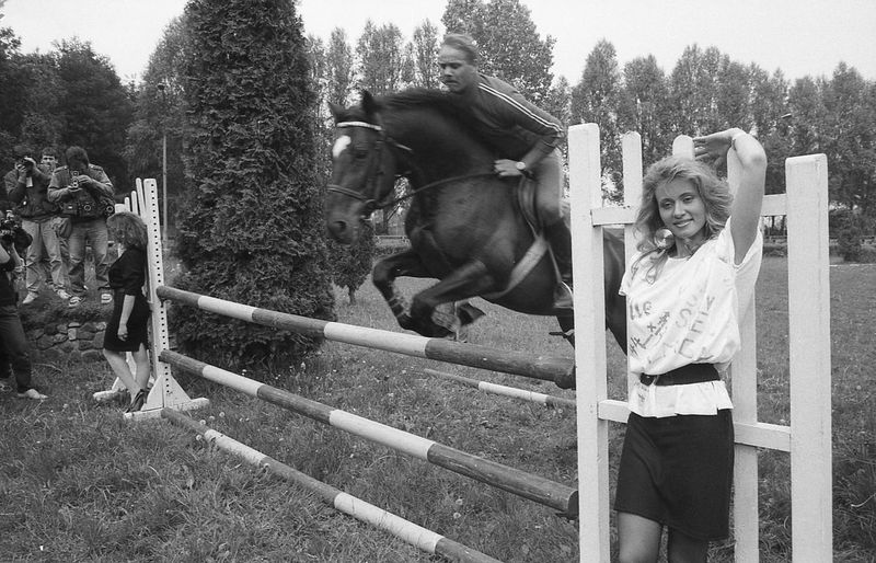Analog Photography Animal Themes B&w Photography B&W Portrait Beutiful Women Domestic Animals Glamour Girl Horse Hp5+ Lifestyles Outdoors People Portrait Portrait Of A Woman Pretty Woman Vintage Photo Vintage Style