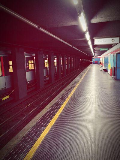 Milan Italy Milano Underground Metro Station Metro Milan Vintage HuaweiP9 Oo