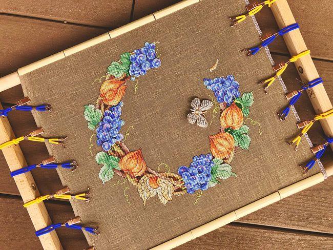 Венок с физалисом Виноград физалис вышивкакрестиком вышивка Multi Colored Day