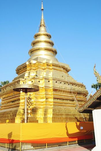 วัดพระธาตุศรีจอมทอง Religion Architecture Ancient Gold Travel Sky Chaingmaithailand Temple Architecture Thailand Temple Travel Destinations Beauty Buddhist Temple