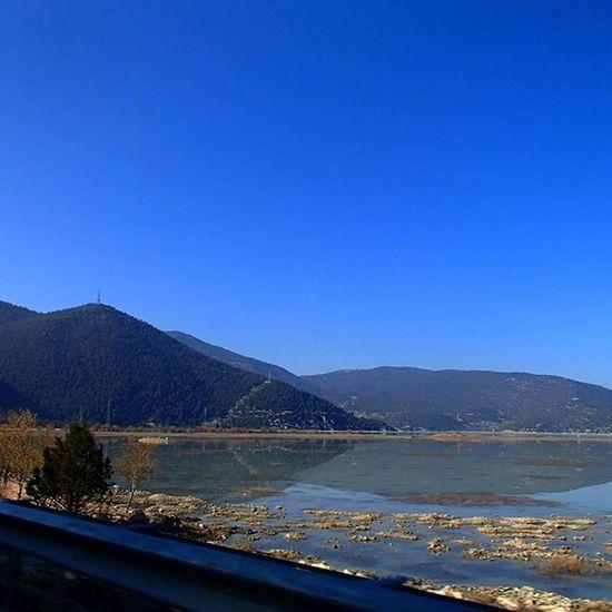 Eskilerden Antalya Elmalıfinikeyolu çığlıkara Tabiatparkı Göl Agaclar Sudakiyansıma Mavigökyüzü