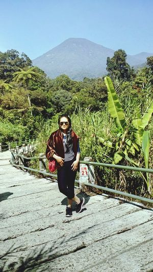 See the mountain.. See the wonderful of indonesia Hanging Out Relaxing Enjoying Life Feelsoclose That's Me Vintage Moments