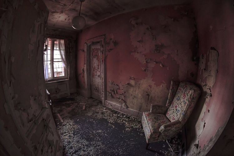 Abandoned & Derelict Urbexexplorer Abandoned Buildings Abandoned America Urbexphotography Abandoned Forgotten Places  Decay Abandoned Places Urbanphotography Urbex_newyork Fish-eye Lens Abandonment Pink Color Paint Decay