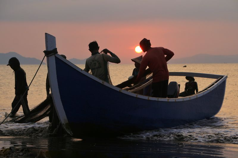 the Fisherman Photography INDONESIA Aceh Fishing Fish Aceh Culture Sunset Water Nautical Vessel Silhouette Standing Friend Surfer Horizon Over Water Fishing Rod Shore Hiker Fisherman Fisherman Fishing Net Rushing Fishing Net Catch Of Fish Fishing Industry School Of Fish Fishing Hook Fishing Equipment Fishing Pole Dead Animal Trawler