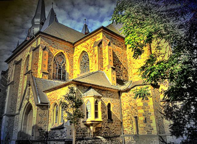 Pfarrkirche in Ratingen (D) bei Düsseldorf Architecture Church Façade History Kathedrale Kerk Kirche Old Religion Spirituality