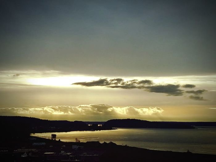 A little sunset on the shortest day of the year. Water Cloud - Sky Sunset Sea Beauty In Nature Nature Outdoors Scenics