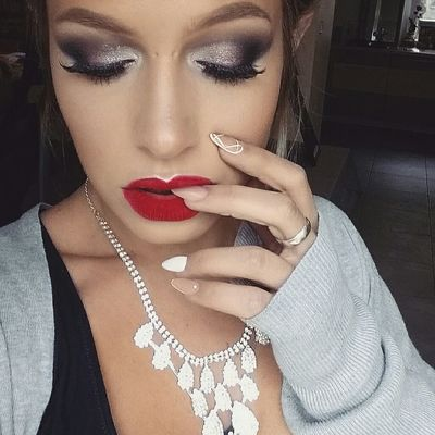 Urbandecaycosmetics Makeupforever Maccosmetics Pbcosmetics Maquillage Wachclaude Makeupartist Girl Terracotta GUERLAIN