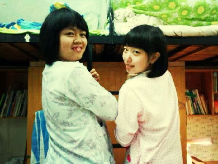 With my roommate~