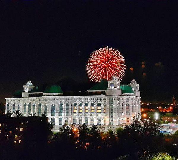С днём рождения, Астрахань!!! Вид из окна Астрахань астраханскоенебо видизокна прогулкапокрыше ДеньГорода салют Astrakhan_tourism Helloastrakhan Astrakhan_people My_astrakhan YouAst Instrakhan Sky