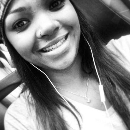 Obrigaada pelo sorriso de cada dia ! Selfie Boapranóis Blackgirl Likes Instamoment BlackBarbie Sorriso Smile Girl Happy Braziliangirl Pereta Instacute Nice Apeixonadie L LOL Love Instacat Secret
