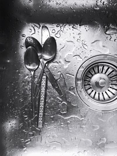Everyday Lives Everyday Objects Spoons Water Droplets Black & White Contrast Abstract Stir Coffee Time Kitchen Utensils Kitchen Metal Stainless Steel  Cutlery Looking Down