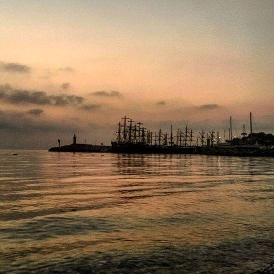 А мы сегодня встречали рассвет на море! Исполнилась мечта идиота )))) моречко рассвет набережная турция Кемер Turkey Kemer
