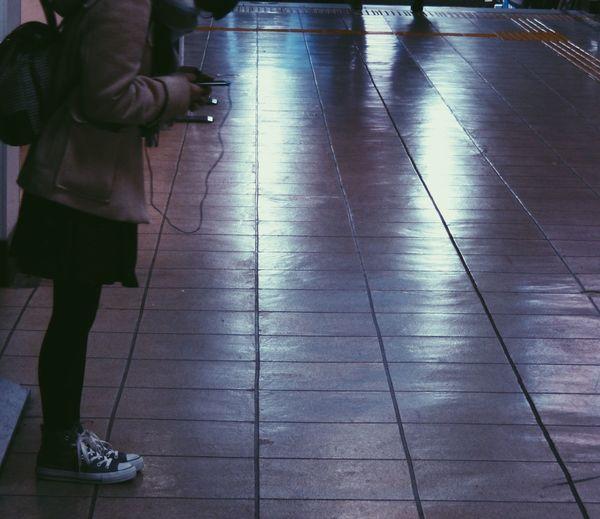 5.8℃ 人待つ人 Station No Standard World Nightphotography Streetphotography Street Photography Midnight Real People From My Point Of View Tokyo Street Photography Live For The Story Night Photography Tokyo Days Tokyo,Japan