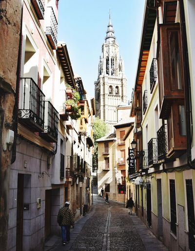 Toledo.Spain Architecture Building Exterior Travel Destinations Low Angle View City Outdoors Streetphotography Built_Structure Travel Photography EyeEm Best Edits EyeEmBestPics Cityscape SPAIN Toledo Spain Toledo EyeEm Best Shots Photography Lovefortravel Tourism Toledo City Toledoview EyeEm Selects Sommergefühle Breathing Space The Week On EyeEm Your Ticket To Europe EyeEmNewHere Done That.