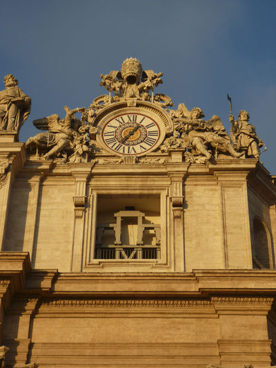 Rom Architecture Building Exterior Built Structure Low Angle View Sky No People Clock Travel Destinations The Past History Building Day Sculpture Art And Craft Time Nature Clear Sky Tourism City Ornate Architectural Column Clock Face Carving